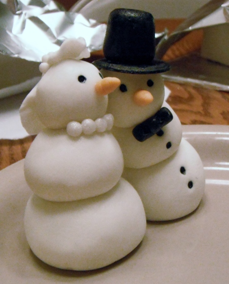 Snowmen Wedding Topper, as requested by the winter bride. Sorry, no Parson Brown.